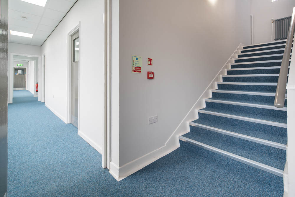 Gradus Stair Nosing And Cove Base