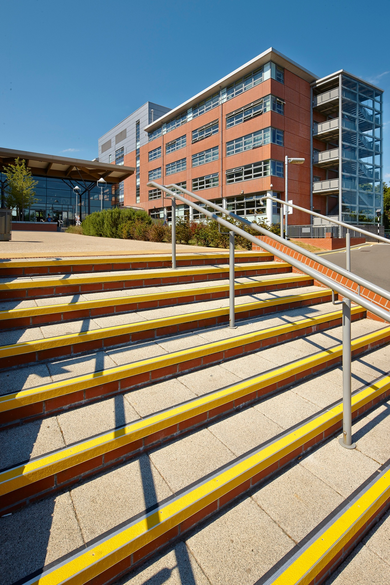yellow color stair nosing outdoor.jpg
